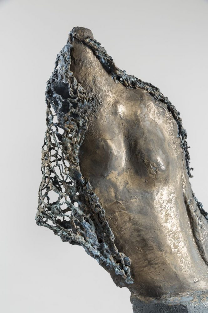 Vestige at Fashionweek (detail), halchimia, bronze, 133x38x38 cm