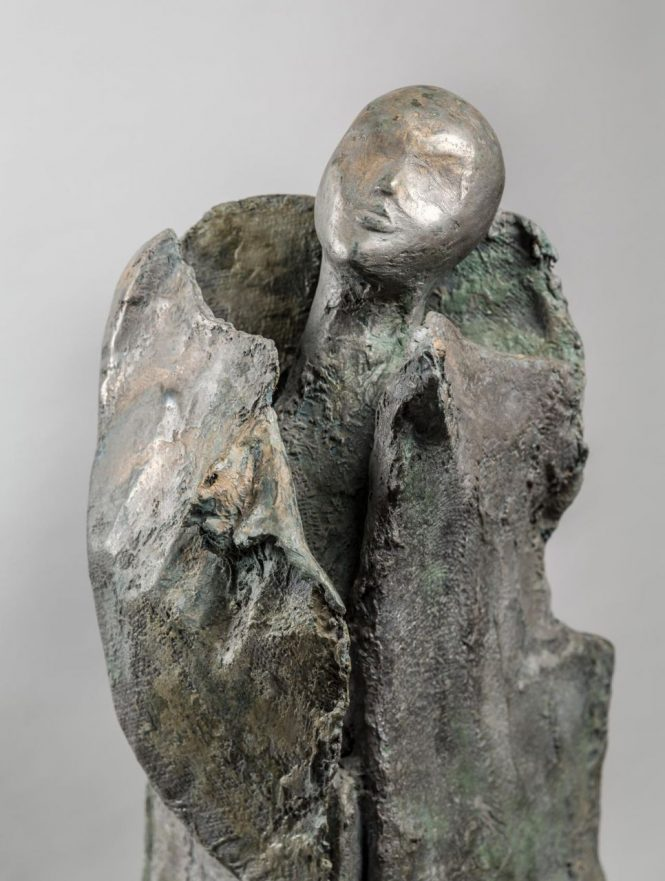 Vestige on The Rocks 1 (detail), halchimia, bronze, 133x40x40 cm