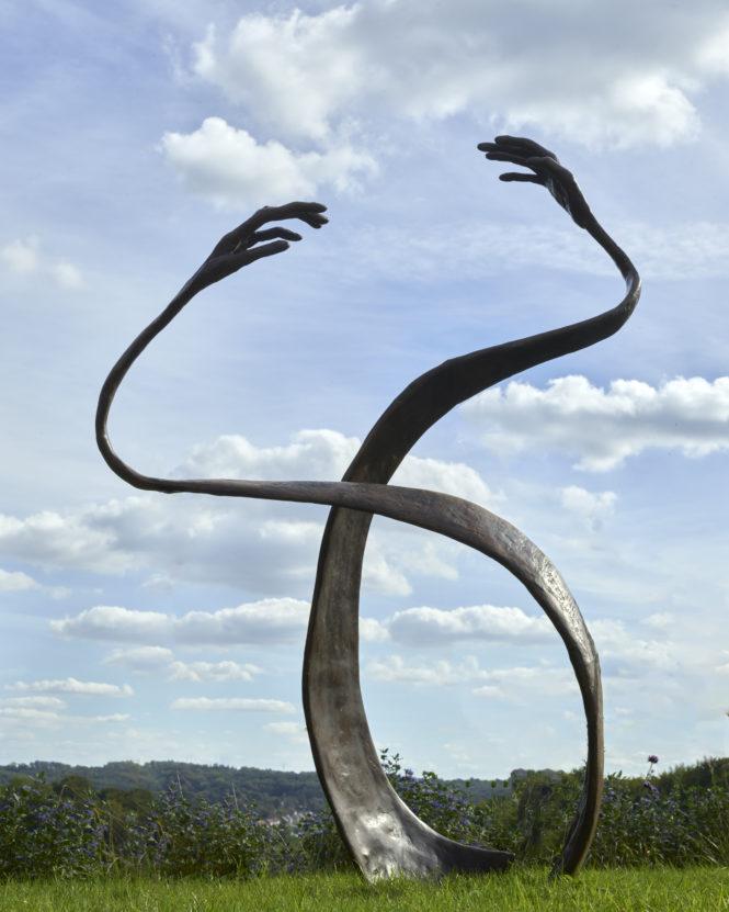 Here, there & everywhere, bronze, 180x130x70 cm